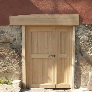 Menuiseries en Ariège porte personnalisée