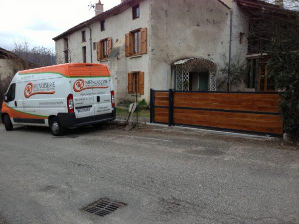 menuiseries extérieures en Ariège portail barrière